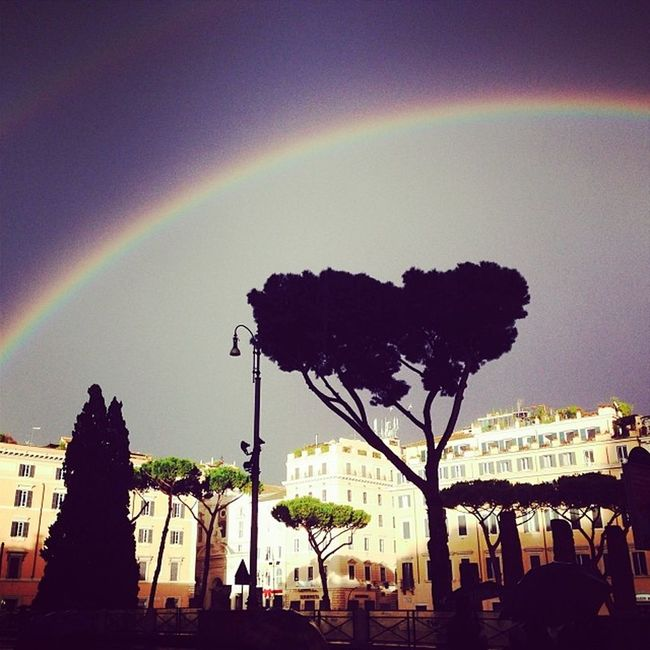 Metti un Raimbow a Rome (part two). Call it Signs .