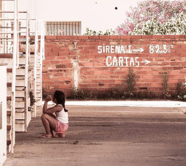 Little Girl Skateboard Streetphotography Pink Streetphoto_color Alone Wating