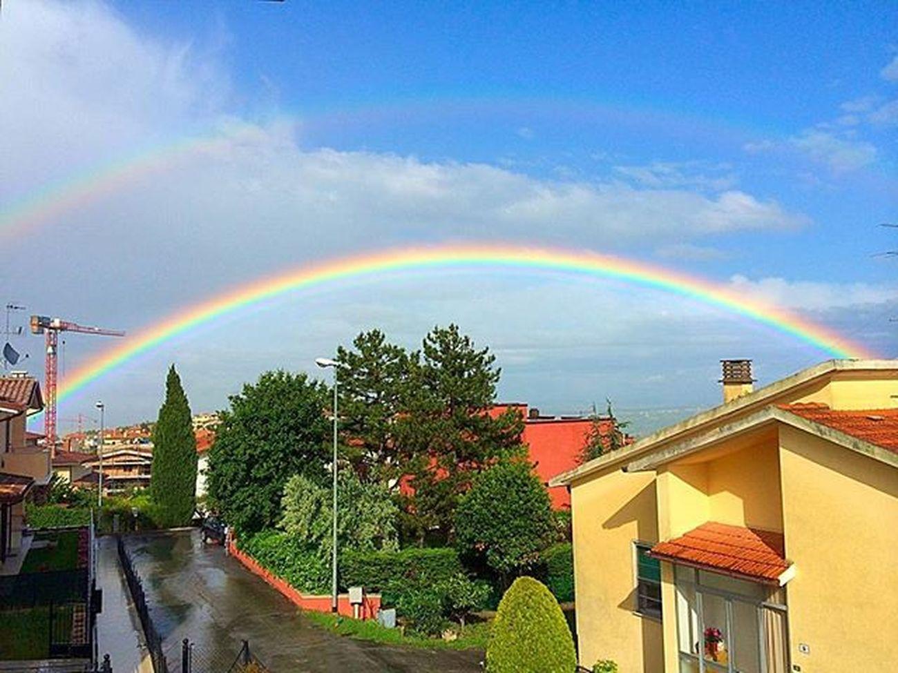 Arcobaleno...doppio! 😄😃🌈🌈 Rainbow Skycolors Colors Arcobaleno  Skylovers Instamoment Instapic Instaphoto Beautiful Beautifulcolors