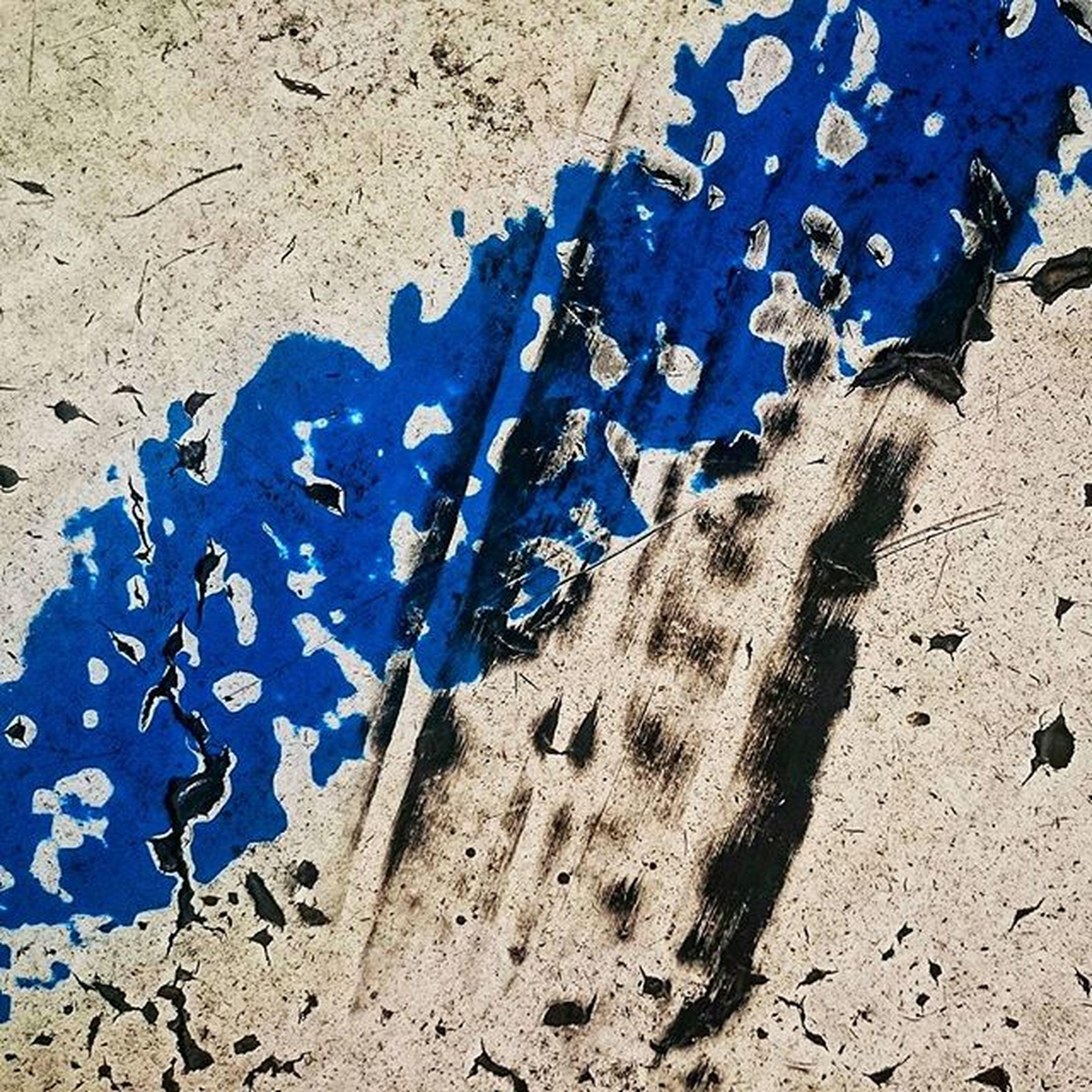 Whiteline Breakline ArtWork ArtWork Streetart Streetlife Aperturefnd Blue Streetphotography Shootermag @art.film Iso1200magazine 1415mobilephotographers Noice_mag Repostapp Memoimages ICP Gupmagazine Lenscratch