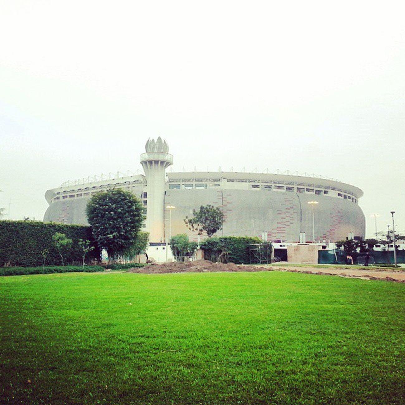 A lo lejos EstadioNacional Igersperu Ig_peru_ Estadio stadium peru architecture arquitectura lima