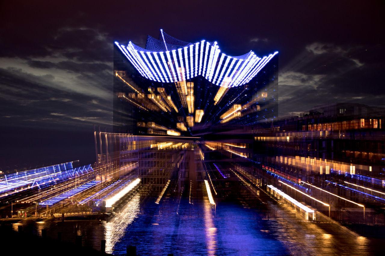 Blue Port Containerbrücke Hafen Hamburg Hamburg Hamburger Hafen Lights Blue Lights  Blueporthamburg Building Building Exterior Containerterminal Elbe Long Exposure Moonlight Night Nightshot River