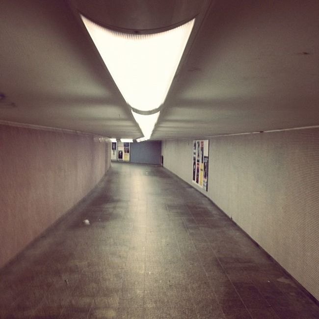 #gang #floor #messe #berlin #ubahn #bahn #station #underground #undergroundstation #subway #light #lichter Bahn Floor Gang Messe Lichter Undergroundstation Berlin Subway Lights Urban Light Underground Station Ubahn