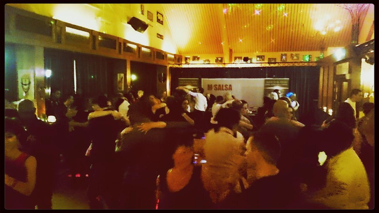 La Gente Bailando Bachata @MiSalsa_nl