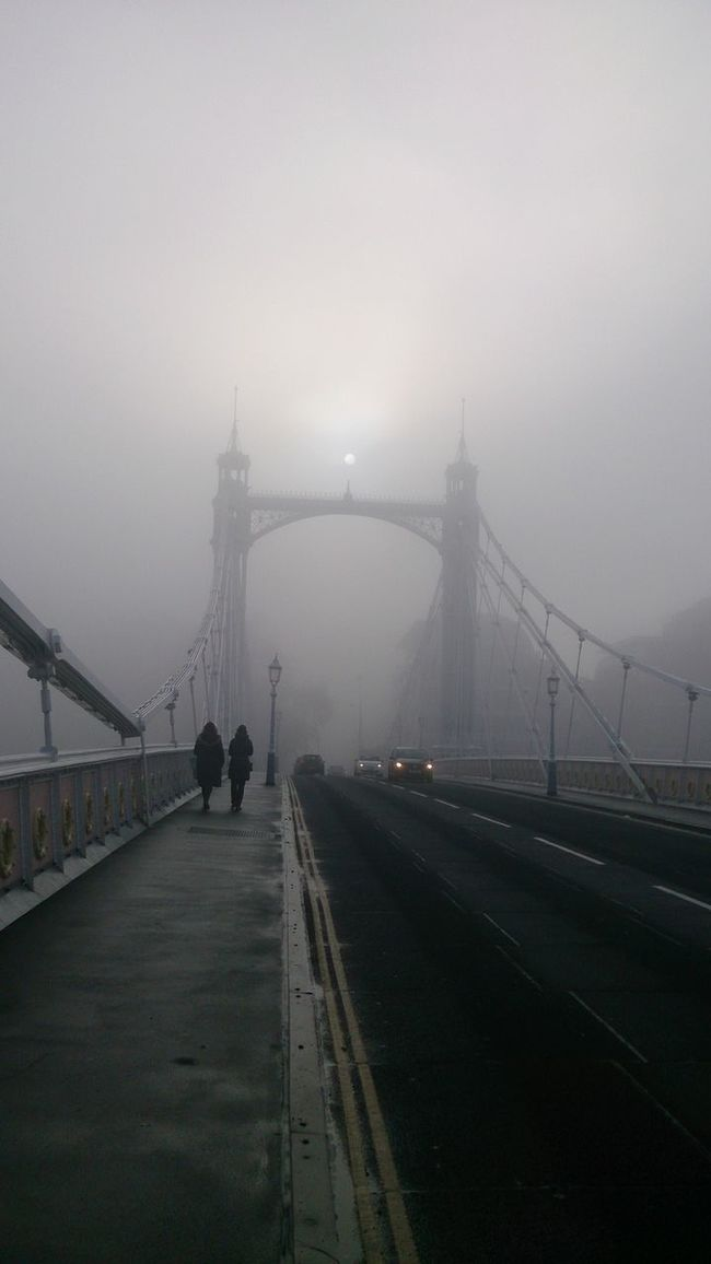 Smog Fog Foggy Day Weather Londons Weather Foggy Bridge Street Photography Visibility City Of London City Life Traffic Sunrise Sun Over The Clouds People Silhouettes London Lifestyle