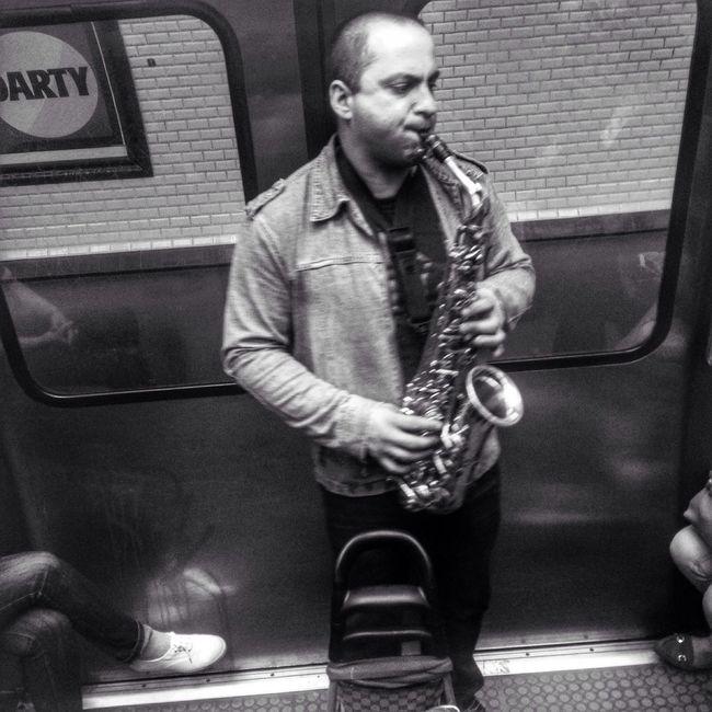 Metro Ratp Subway Paris Musician Music Musique Musicien Photography Photographer EyeEm Best Shots EyeEm Gallery EyeEm Noir Et Blanc Black And White Blackandwhite