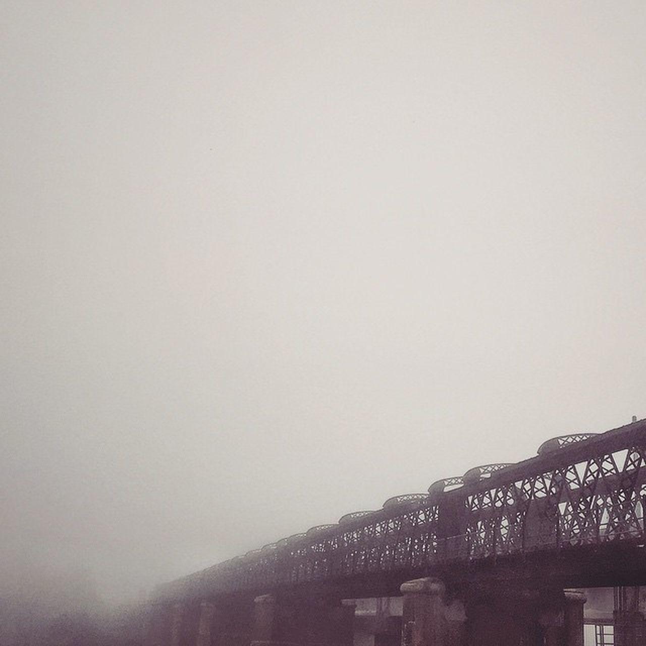 Kabus tebal di Victoria Bridge pagi ni VSCO Vscocam Victoriabridge Karai kualakangsar malaysia best morning