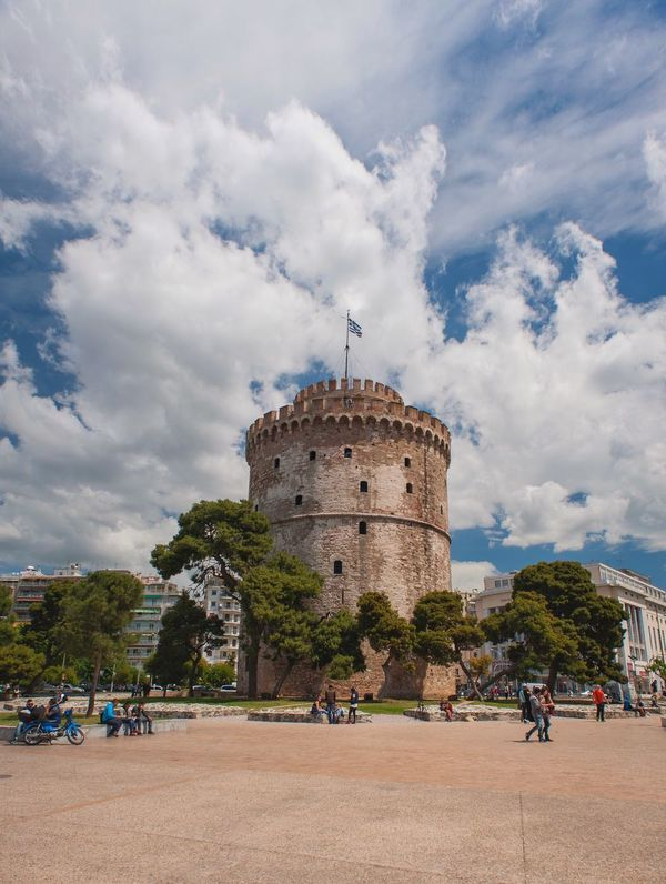 The White Tower White Tower White Tower Of Thessaloniki White Tower Thessaloniki Thessaloniki Greece Travel Clouds And Sky Clouds Cloud Sky Blue Sky Blue The Great Outdoors With Adobe The Great Outdoors - 2016 EyeEm Awards