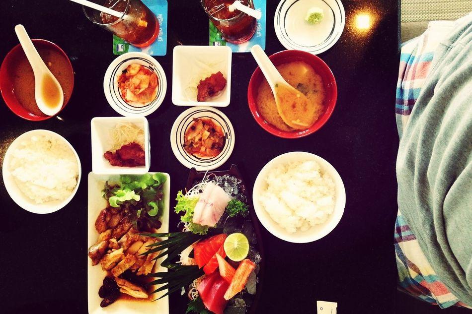 這兩個套餐才80軟妹幣不到 熱淚滿筐.... wasabi還是鮮磨的 誠意有沒有