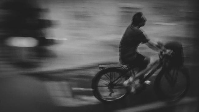 Bicycle Riding Motion On The Move Capture The Moment People And Places Bnw_captures Justgoshoot Eye4photography  EyeEm Gallery Bnw_life Bnw Bnw_collection Blackandwhite Photography Black And White Blackandwhite Streetphoto Streetphoto_bw Streetphotography Snapshot