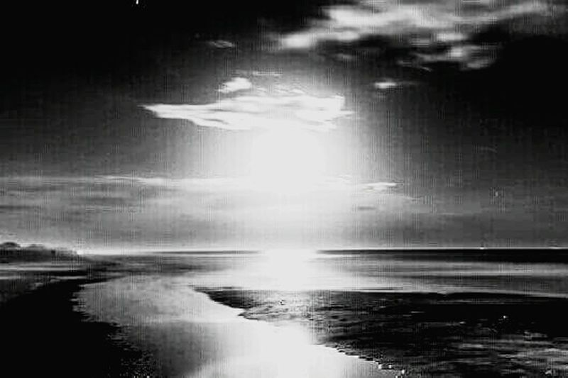 Sea Sky Night Reflection Cloud - Sky Tranquil Scene Moonlight Moonbeam Streamzoofamily Blackandwhite Black & White Photography Landscape Outdoors Moon Minds Escaping