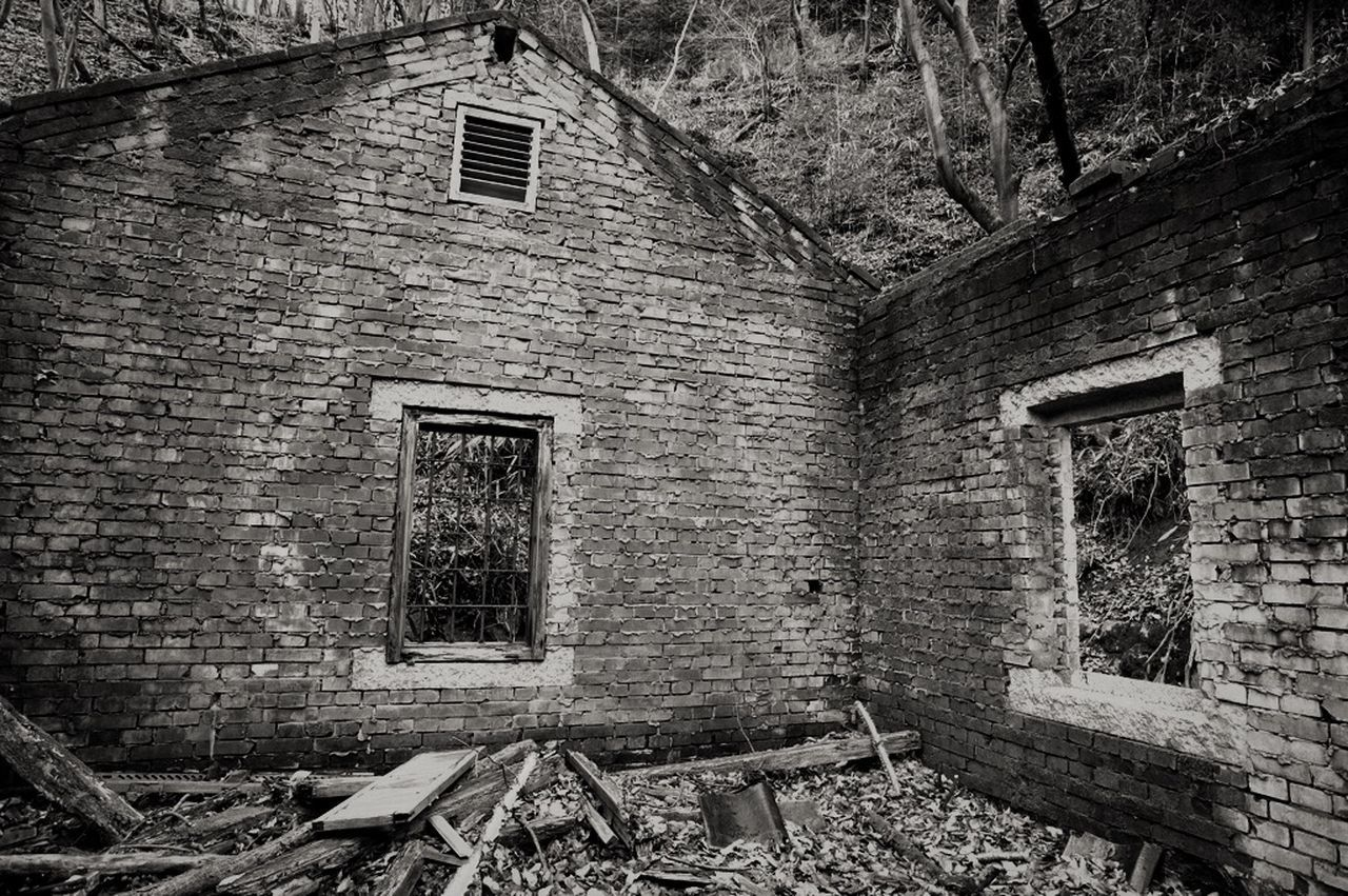 architecture, abandoned, damaged, built structure, house, destruction, brick wall, run-down, no people, building exterior, window, bad condition, rotting, old ruin, day, indoors, rubble
