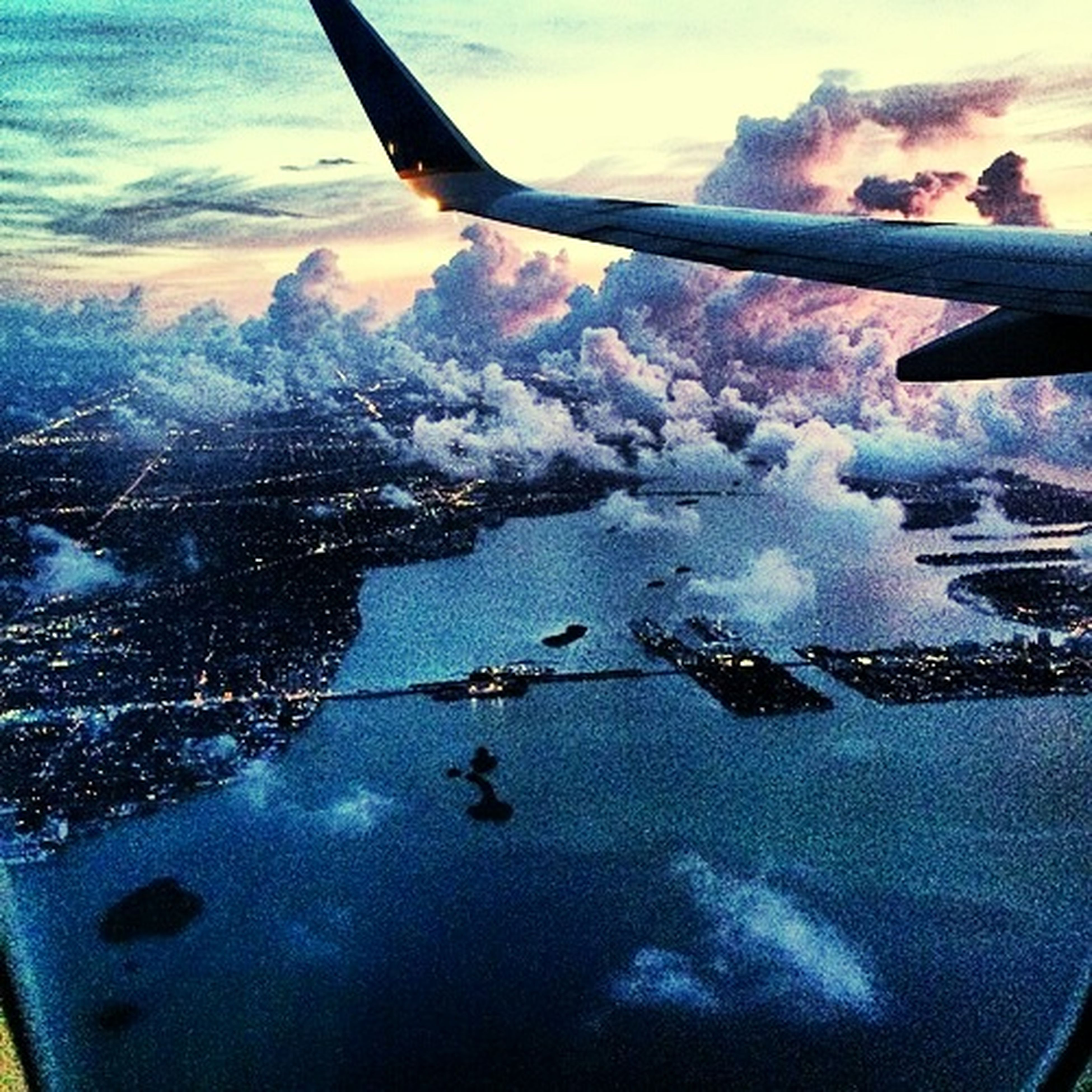 Look At This Sky!  Vacation Time Dreamscape Cityscapes Lest Go !!!!!! Weloveairplanes