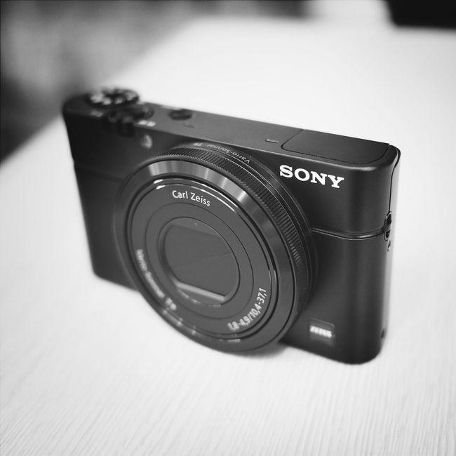 とある事情で SONY RX100 を手にいれました。やはりいいカメラですね。 Blackandwhite New Camara Rx100