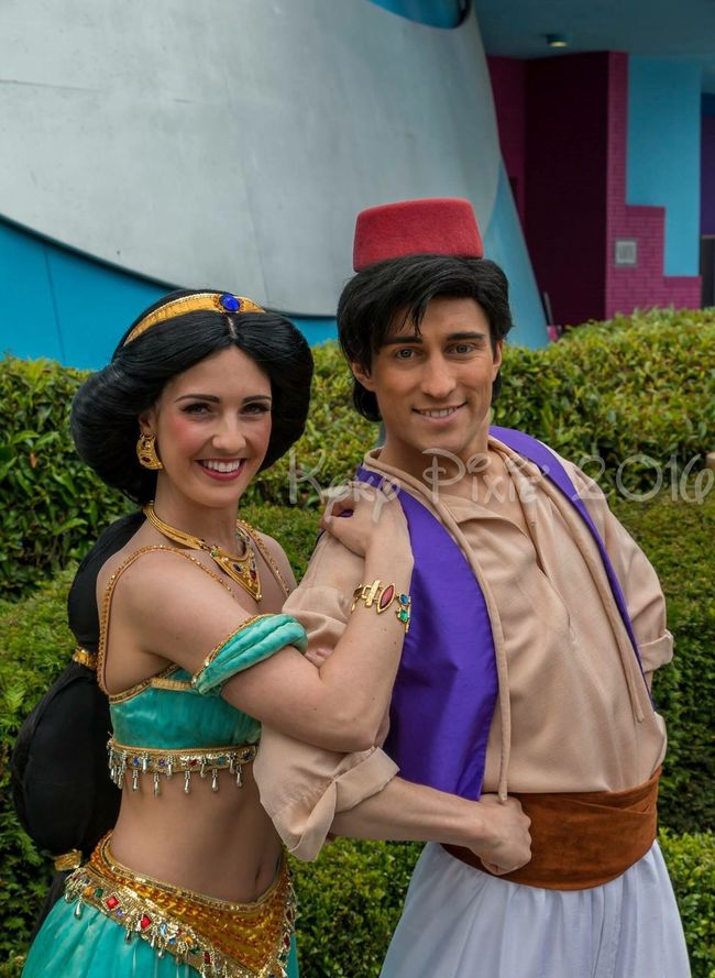 Disneyland Paris Love Portrait Disneyland Resort Paris Waltdisney Aladdin Disney