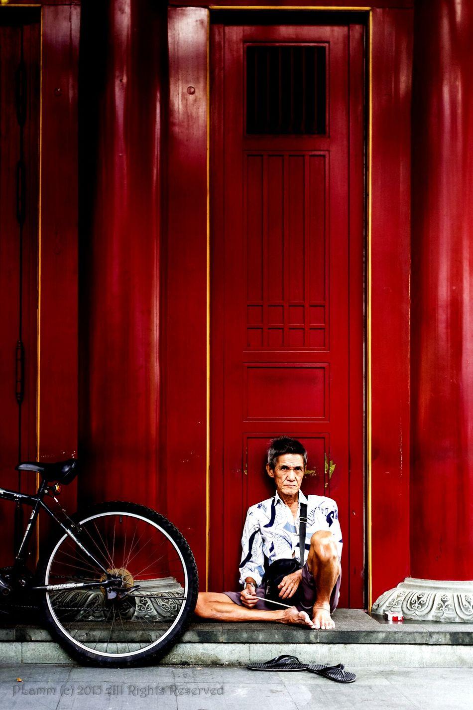 temple guard. EyeEm , EyeEmChinatownPhotowalk , Temple , Door , Red , Street, Old, Man