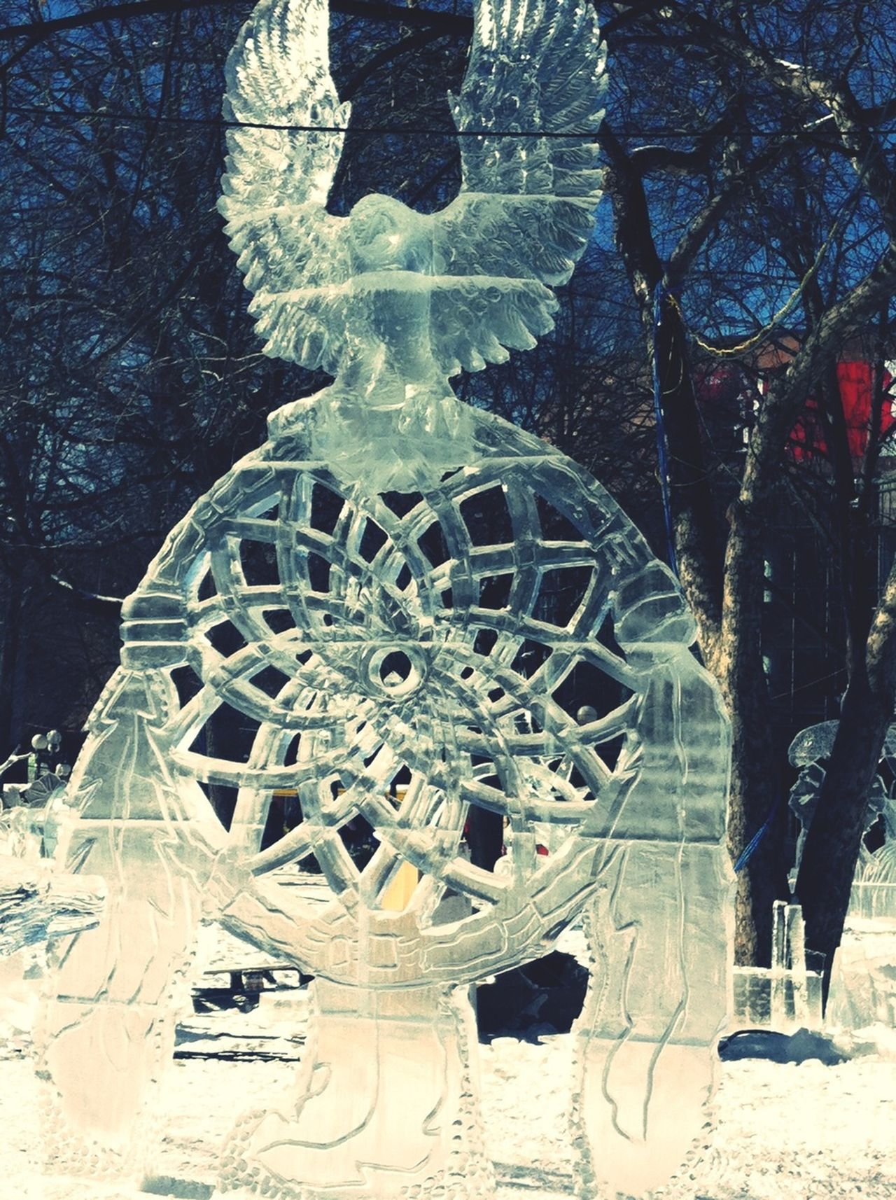 Minnesotan's carve Ice when it's -20 below 0! Art Ice Freezing Cold Journey Into The Light