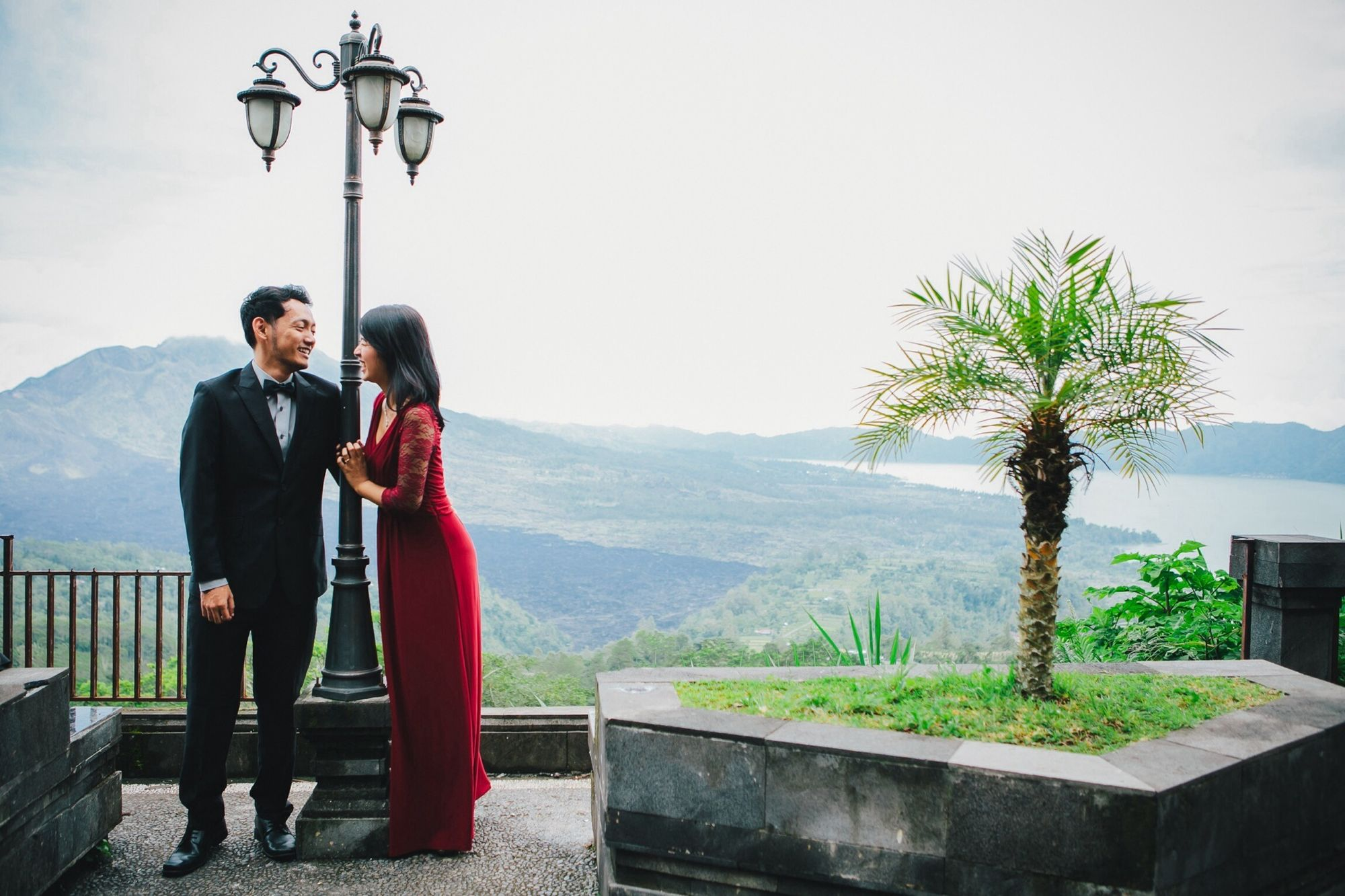 The beautifull of kintamani bangli...perfect place for nature prewedding photo session Love Nature Check This Out Wedding Photographer of staybright photograph bali || wedding // prewedding // engagement //based in bali. Email : idabagussugitayasa@yahoo.com