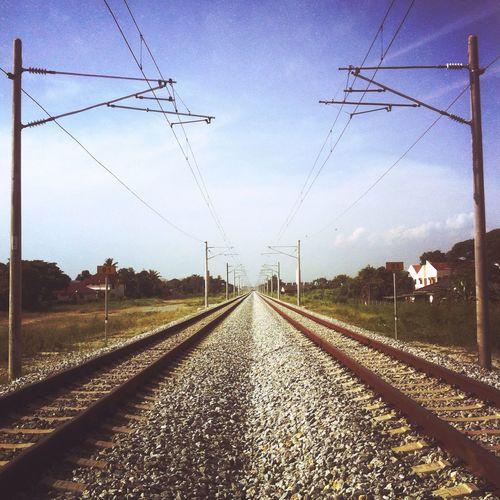 Clear Path Clear Sky Taking Photos Streetphotography Alorsetar