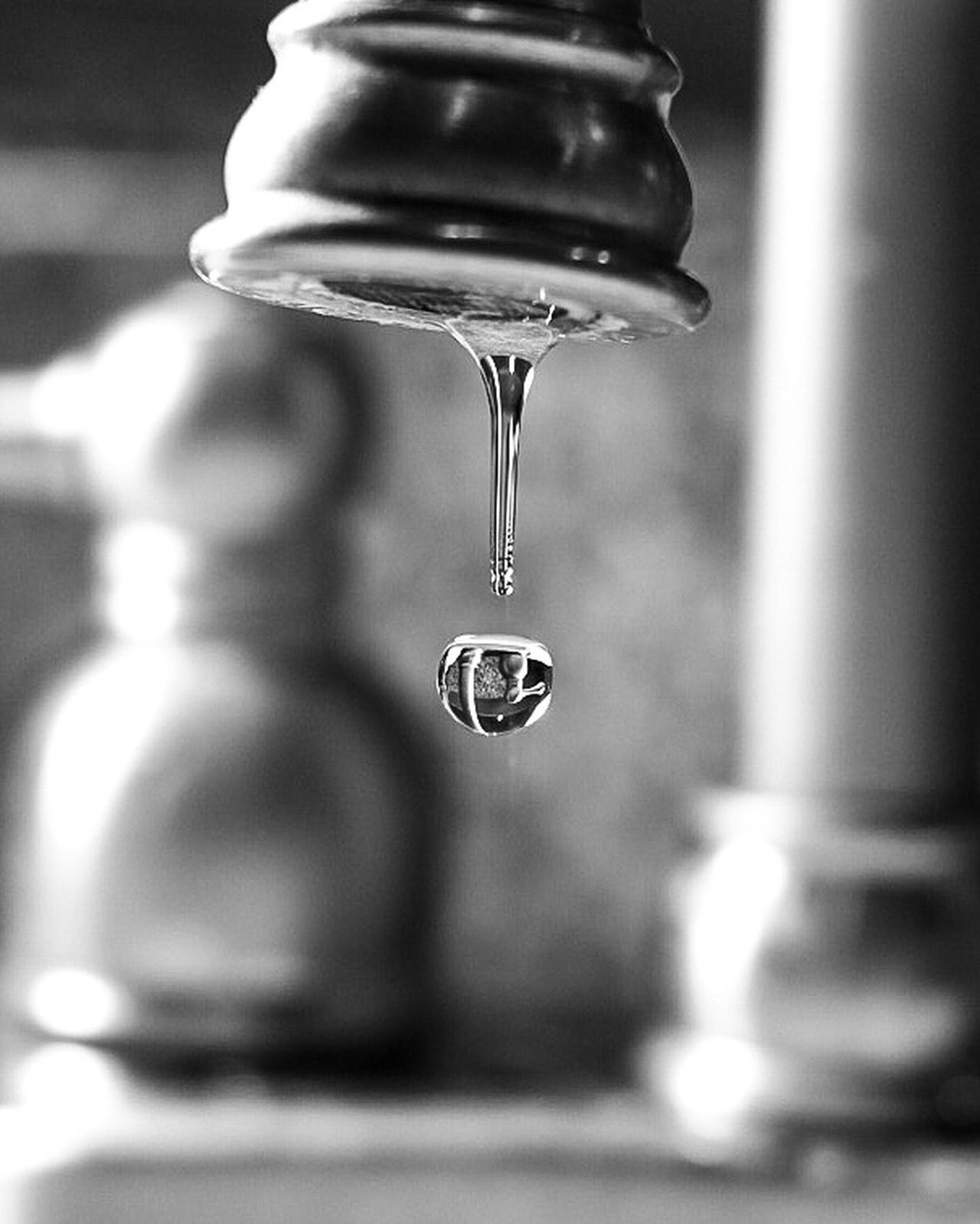 The little things Drop No People Close-up Indoors  Water Freshness Day Dripping Canonphotography Canon Fineart_photo Canon70d Selective Focus Tranquil Scene Macro Freshness Focus On Foreground Arts Culture And Entertainment Sharp Flash Photography Blackandwhite Blackandwhite Photography