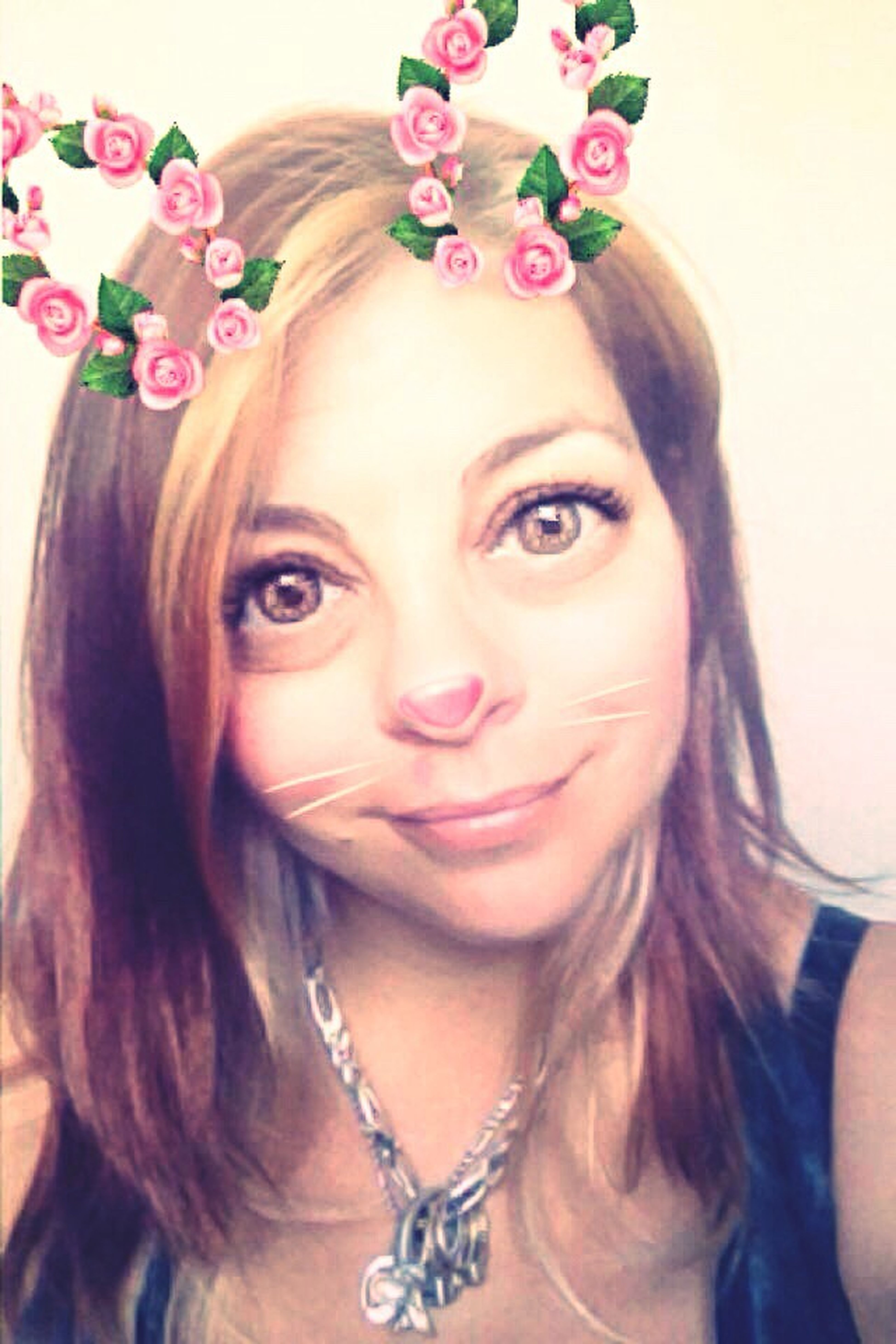 Selfie snapchat filter fun time 😉😍 keepin it 💯 Front View JustMe Young Adult One Person I Am Woman Hear Me RAWR 😘