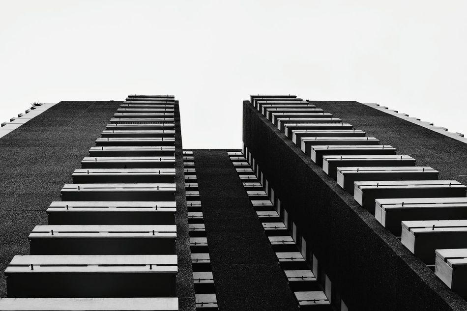 No People Skyscraper City Architecture Sky Outdoors NIKON D5300 Nikon Low Angle View Black & White Black And White Blackandwhite Block Frankfurt Am Main Minimalist Architecture
