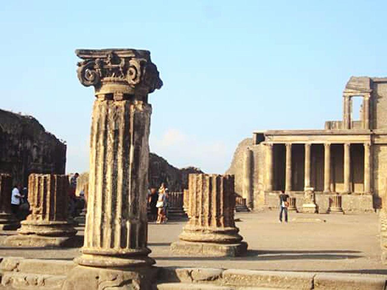Travel Destinations Ancient Civilization Architecture Travel Old Ruin Napoli Italy