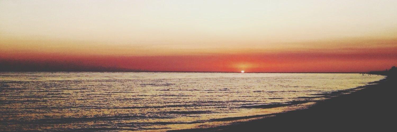 Beach please? 🌊🌴🌴🏊