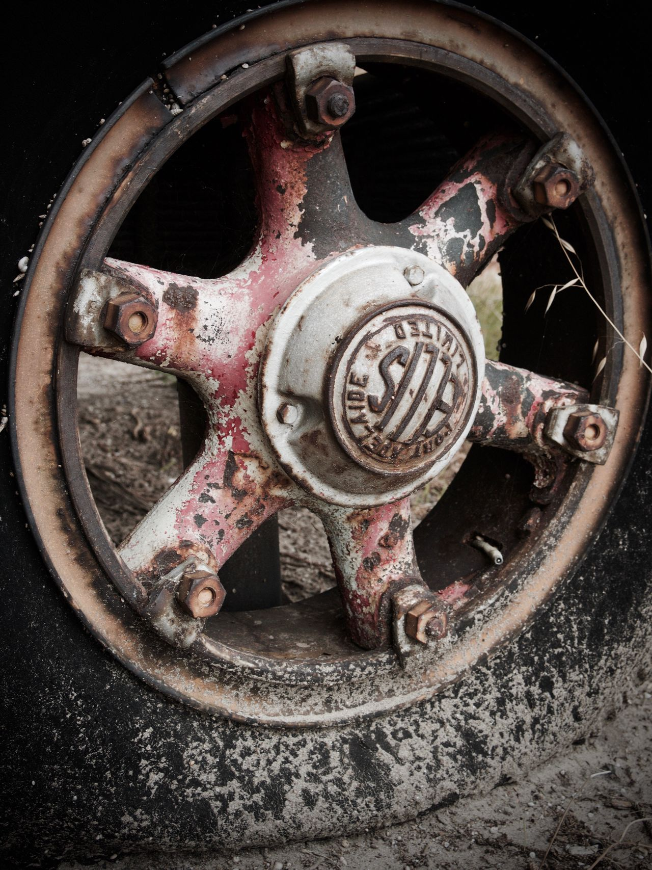 Interesting old wheel Wheel Metal Rusty Abandoned Close-up Vintage Cars No People Old Wheel Old Wheels Spoked Wheels