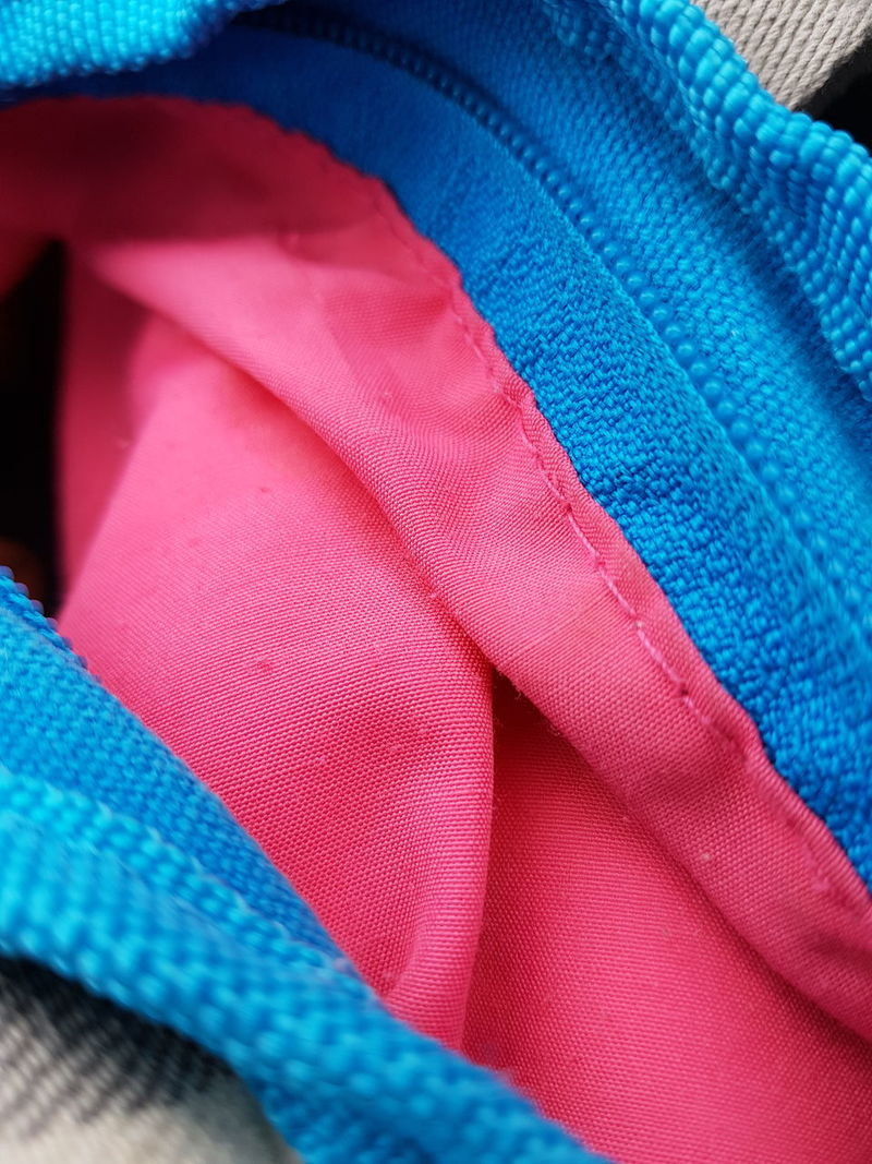 Blue Color Pink Color Helpful Things Design No People Close-up Focus On Foreground Art Photography Details Of My Life On Tour With My Handy Card Design Personal Perspective Art Is Everywhere Things Around Me Day Indoors  On Tour Textile Fashion Full Frame Textured  Multi Colored Bag Accessory Blue
