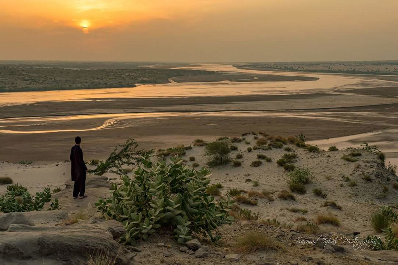 Sunset Full Length Outdoors Photographer One Man Only Day Sarmad
