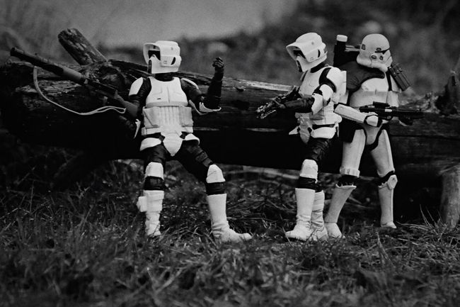 Another version of a photo from my instagram @tuskenmilbar, this one has a different angle Starwarstheblackseries Starwarstoyfigs Theblackseries Stormtrooper Blackseries Starwarstoys Scouttrooper Starwarsblackseries Starwarsfigures Starwarstoypics Starwarstoypix Starwars Hasbro Bikerscout Sandtrooper