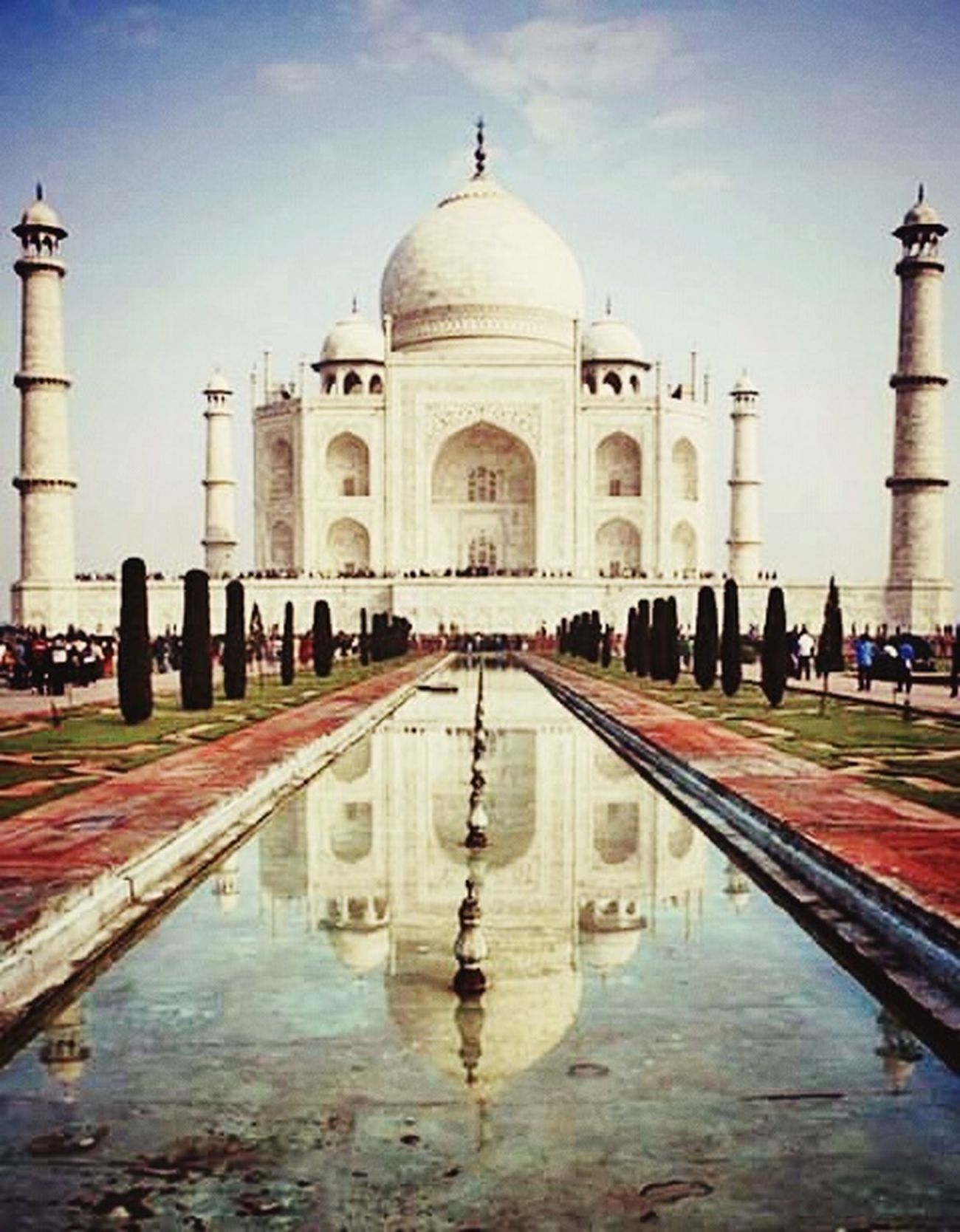 When love we're together. I want bring you and me, together for our love. @tajMahal Tajmahal India Love First Eyeem Photo EyeEm Best Edits Trevelling Celebrating Love! Our Love An Islamic Love Zulhadiri Farish Nuraini n/p: may Allah bless what you want. And its not for me :')