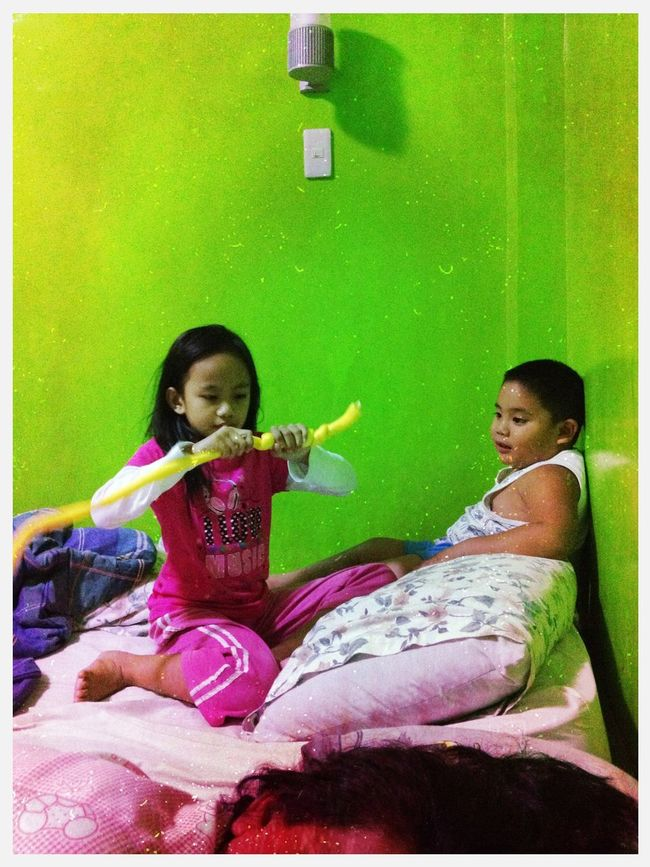 ize playing with kate at nueva vizcaya Ize Playing With Kate