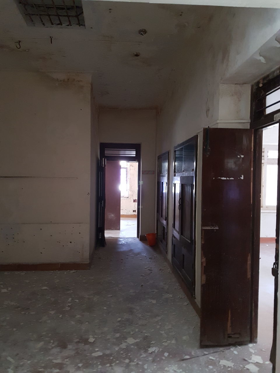 indoors, corridor, empty, door, abandoned, open, architecture, built structure, no people, day