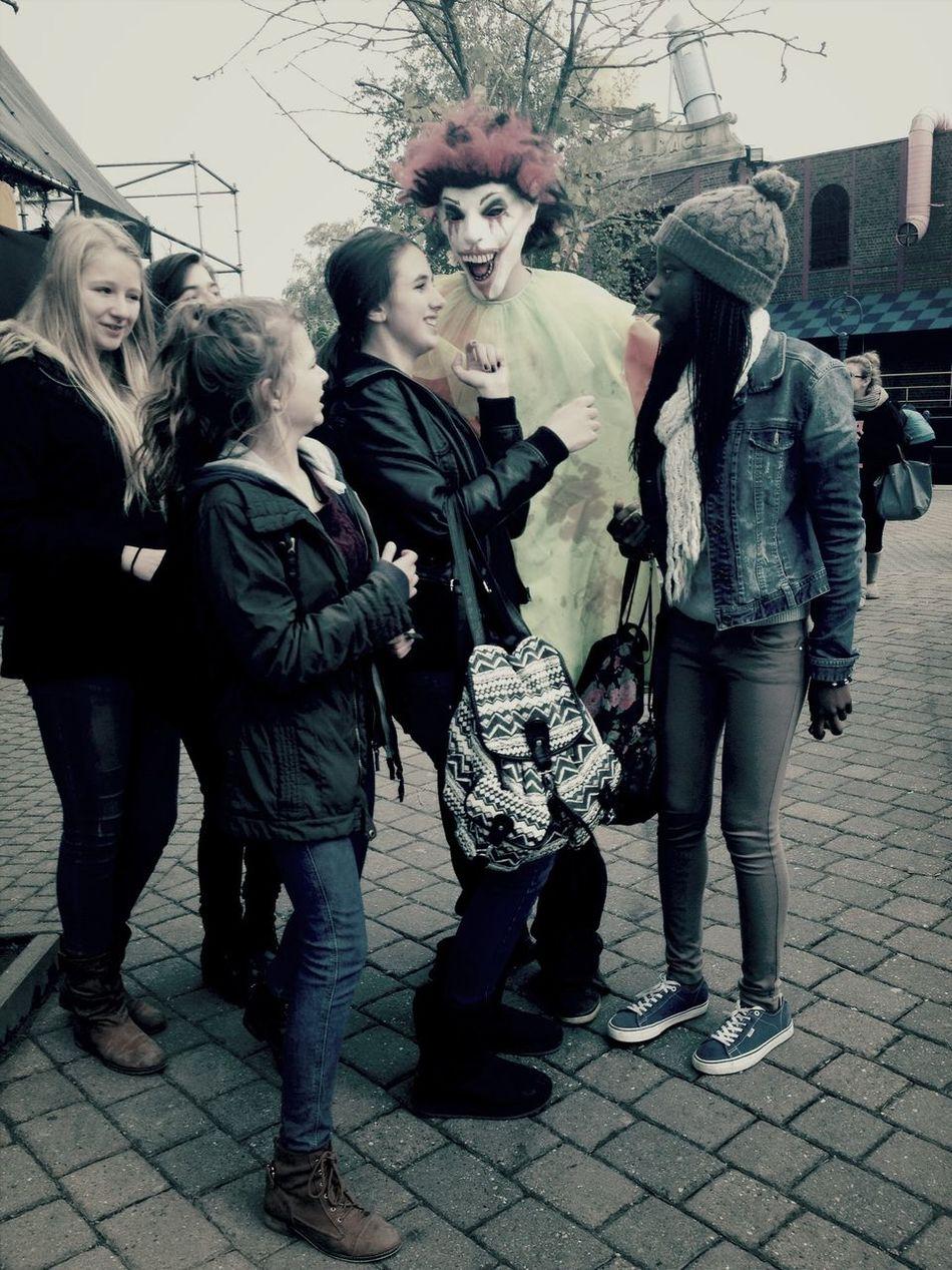 Halloween clown walibi Holiday friends scary