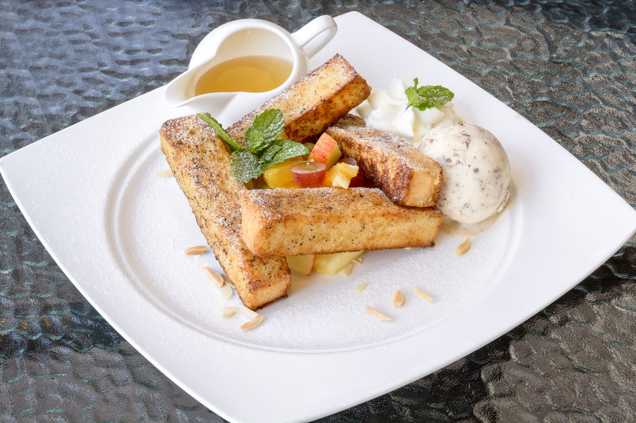 Appetizer Close-up Day Food Food And Drink Food State French Toast Sticks Freshness Fruit Gourmet Healthy Eating Honey I Cream Indoors  Indulgence Meal Meat No People Plate Ready-to-eat Serving Size SLICE Stick Still Life