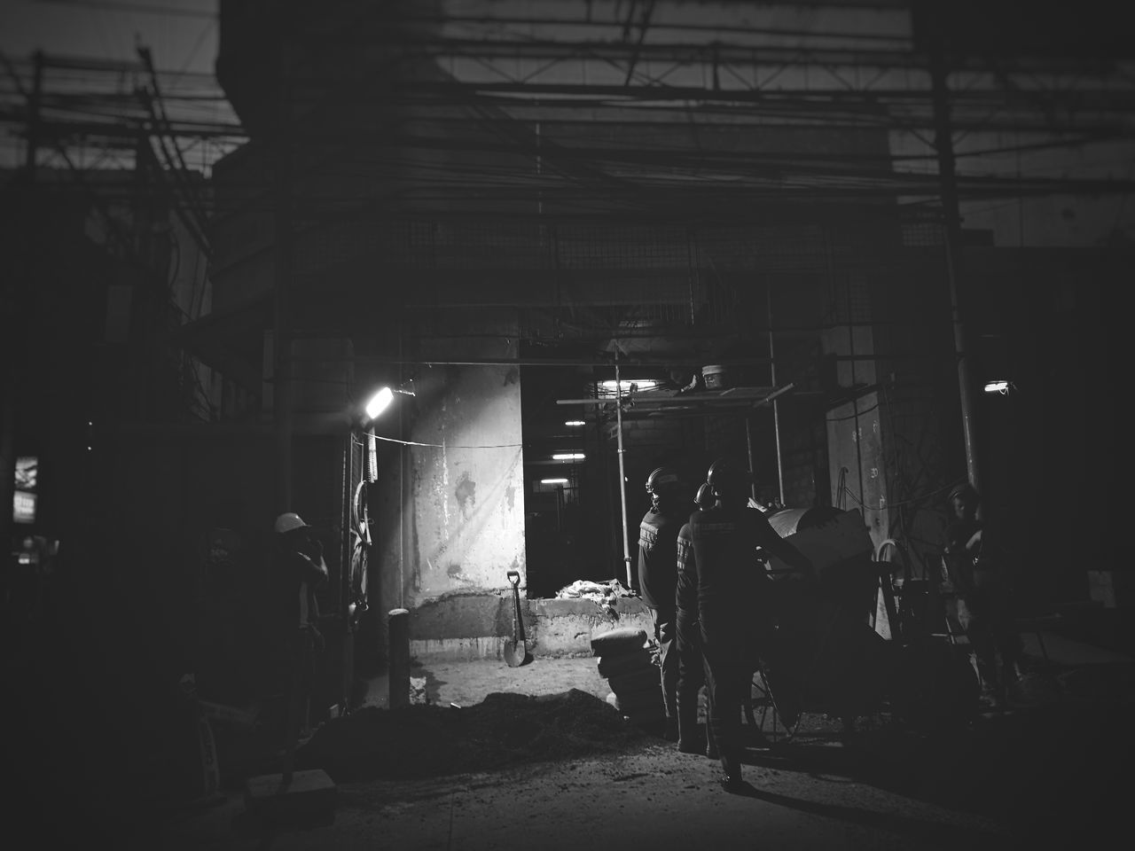 Overtime. City Cityscape Built Structure City Life Development First Eyeem Photo Architecture Street Street Photography Still Life Streetphotography Streetphoto_bw Blackandwhite Blackandwhite Photography Black&white Black And White