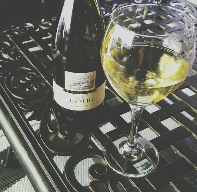 White Wine Chardonnay Drinks Before Dinner Happy Hour Summer Wine Finds