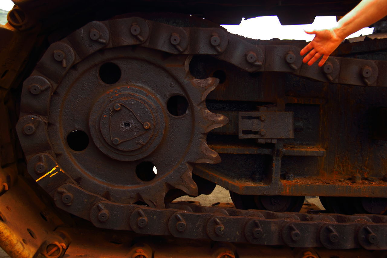 Hands Off! Bodypartphotography Chain Close-up Cog Cogwheel Crane - Construction Machinery Day Gear Giant Hand Industry Machine Part Machinery Manufacturing Equipment Metal No People Old-fashioned Outdoors