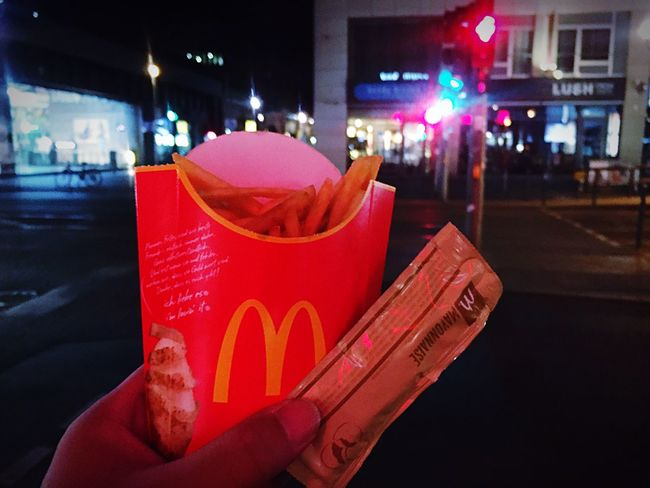 The Best Of Berlin Photographic Memory 06-12,June,2016 French Fries Macdonalds Food Eating Walking Around Taking Pictures Night Traveling Crossing Stroll Wanderlust Urban Exploration The Street Photographer - 2016 EyeEm Awards A Taste Of Life From My Point Of View Holiday Vacation Travel Feel The Journey Show Us Your Takeaway! Night View Showcase June Snack Time!
