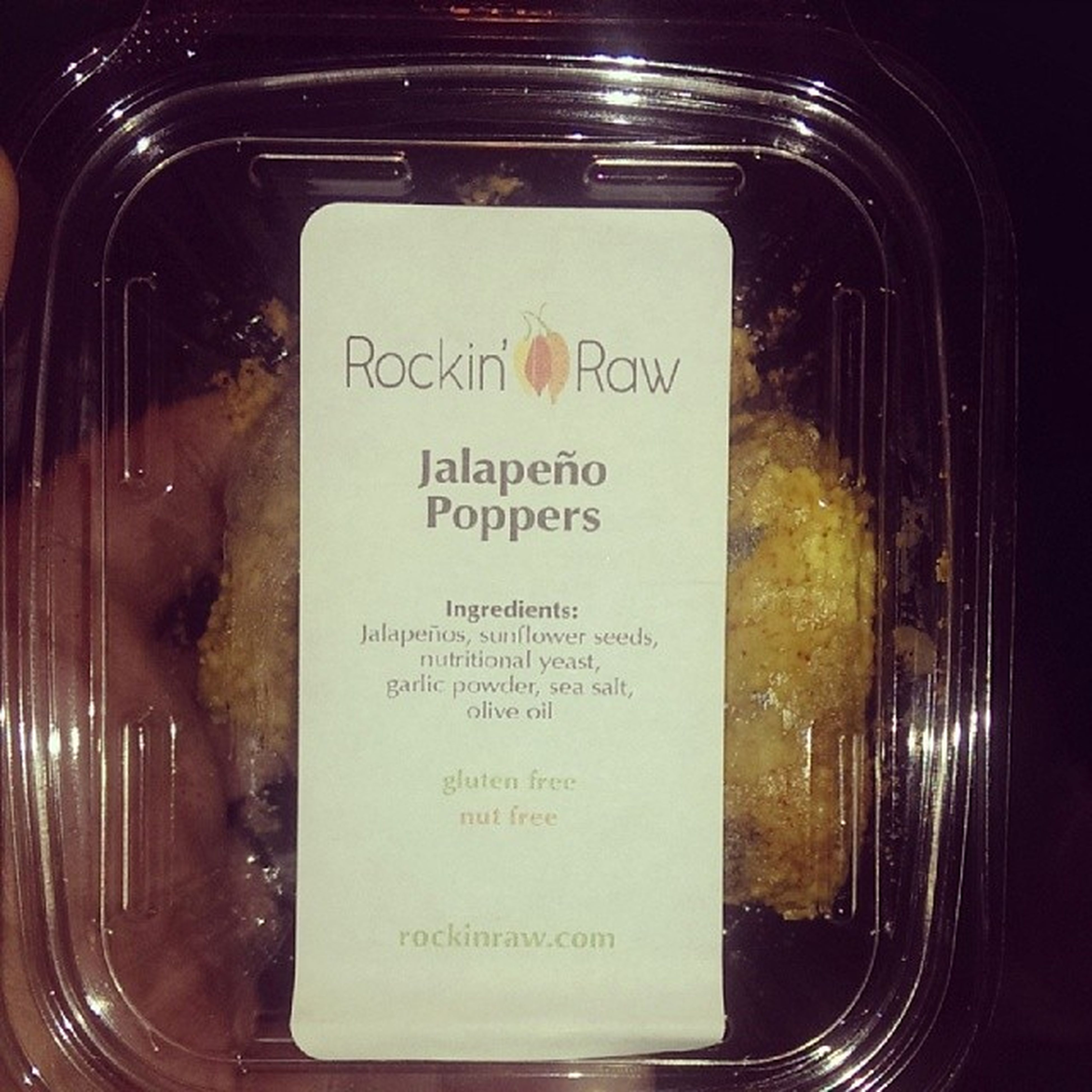 Just came back from my the lower east side's vegan paradise Liveliveandorganic and this is my first treat from Rockinraw that I picked up there! Yumm