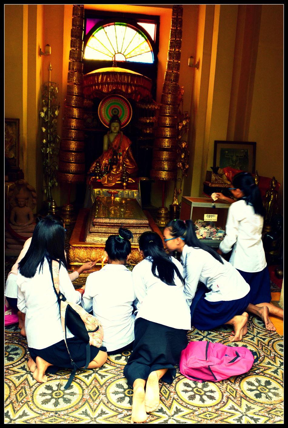 Bangkok Boudha Boudhism People Religion SchoolGirl Temple Thaïlande