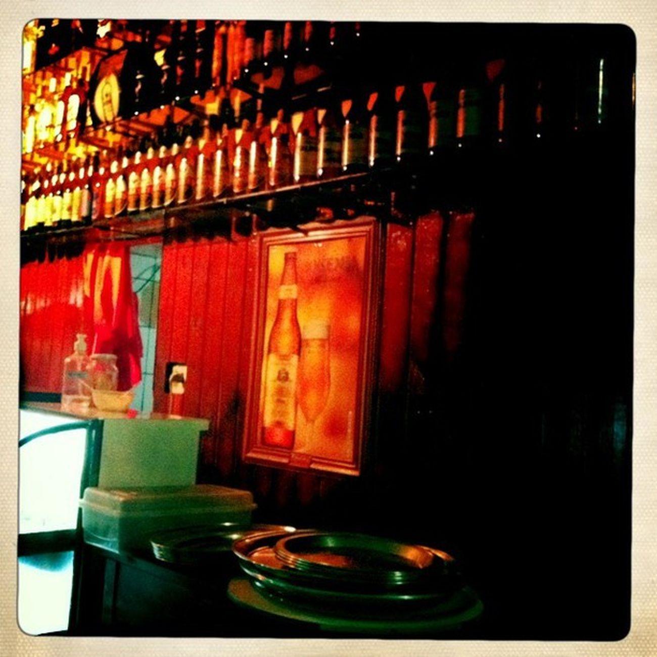 Pinheirinho. Um ótimo lugar para comer um bom lanche. Das antigas, com atendimento para lá de simpático. Hipstamatic Johns Inas1969