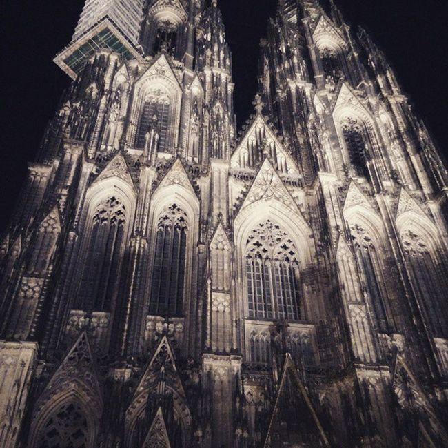 Nachts ist der Dom am schönsten!😊 Dom Koelnamrhein Koelnerdom Domplatte Typischkoelsch Instaday Germany Deutschland Pictureoftheday Aufdemheimweg Schnelleinbildmachen