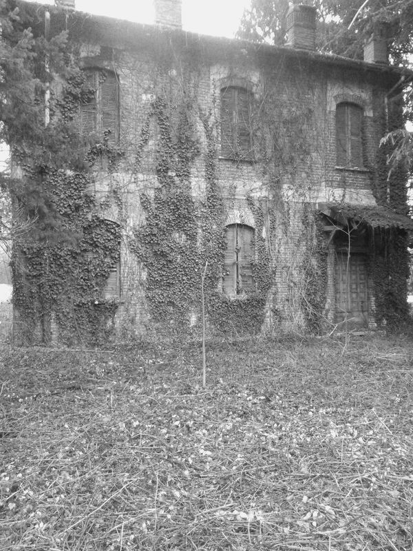 Black And White Gost Town Darkness And Light Gosth Scery House Shadows & Lights Portrait Photography