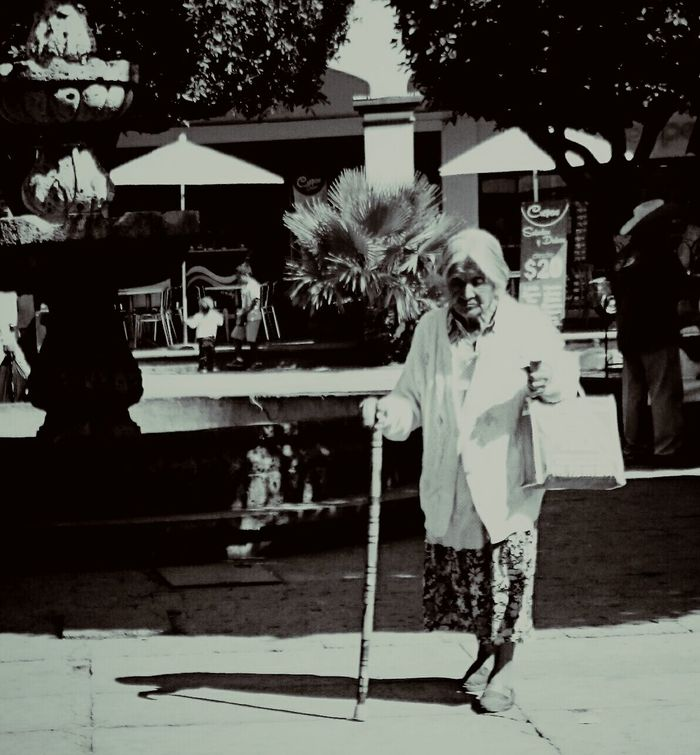 Portrait EyeEm Best Shots - Black + White Walking Around People Plaza RePicture Ageing The Human Condition