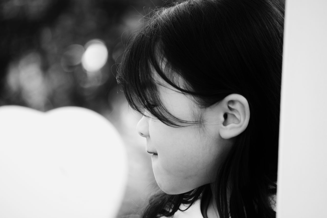 Hello World Hello Hamburg Taking Pictures Click Click 📷📷📷 Black Hair Little Girl Asian Girl Close-up Real People Enjoying Life Side Portrait Dreaming Girl  Blackandwhite Cutie Blackandwhite Photography Childhood Child Day Asian Baby Girl Asian Beauty Germany🇩🇪