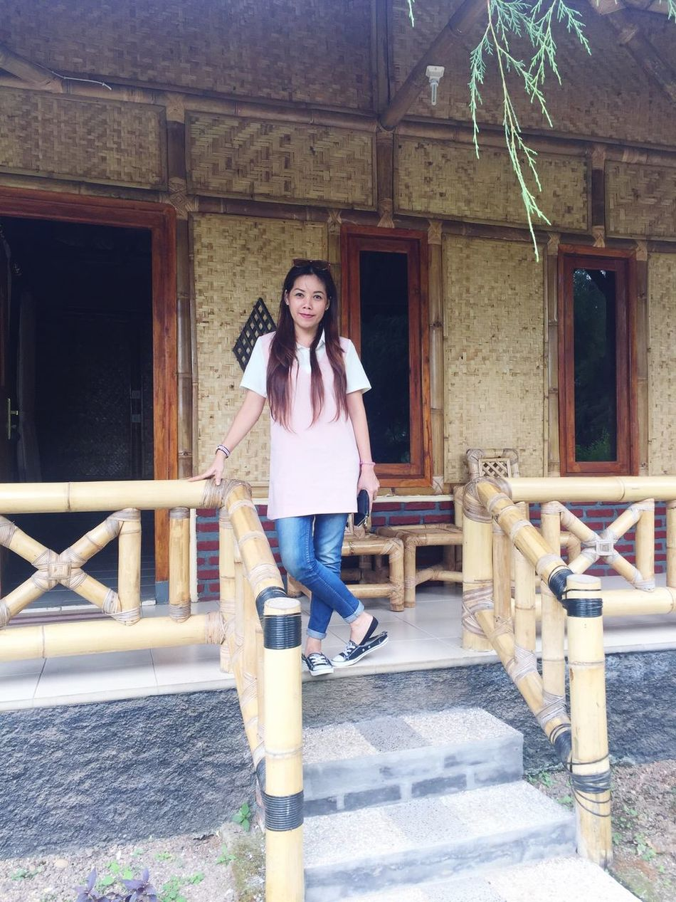 wooden house Woodenhouse That's Me Hello World Check This Out Mymetta Mettalove Asian  EyeEmBestPics First Eyeem Photo EyeEm Nature Lover EyeEm Gallery Latepost Girl Model Style