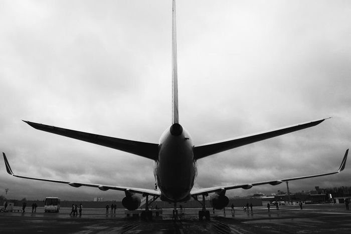 Urban Street Streetphotography Aviators Avion Aviation Sky Boeing Life EOS Monoart ArtWork Picoftheday Monotone Blackandwhite Photography Black & White Photography Canon Blackandwhite Belgorod Art Monochrome